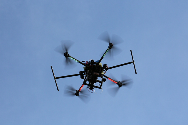 6.22.large.flying-drone-camera-5760x3840_30532