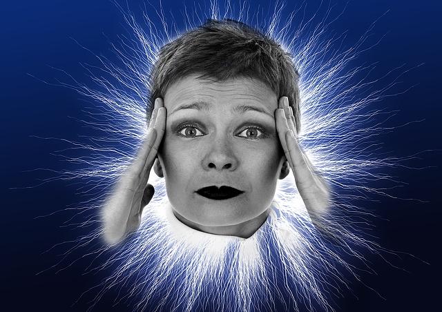 6.7.nervous-woman-4961x3508_55736